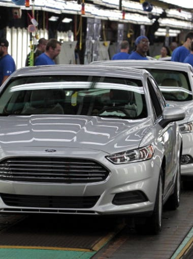 2014 Ford Motor Co. Fusion vehicles move down the production