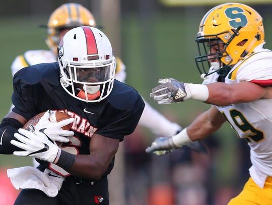 Colerain Cardinals running back Deante Smith-Moore