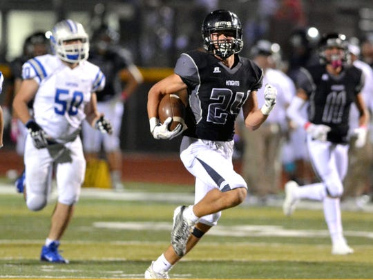 Oñate's Monroe Young breaks away from the Carlsbad