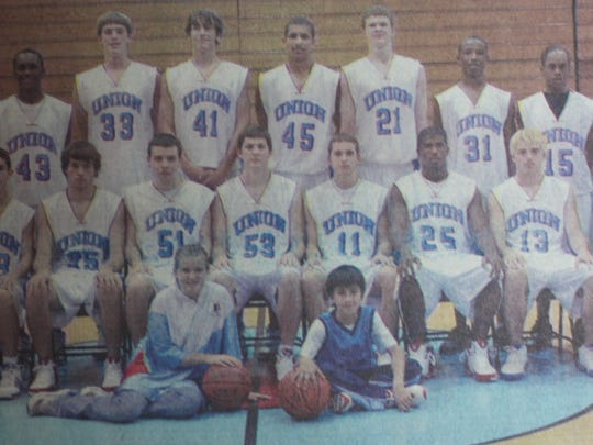 The 2005-2006 UCHS Braves basketball team looked to