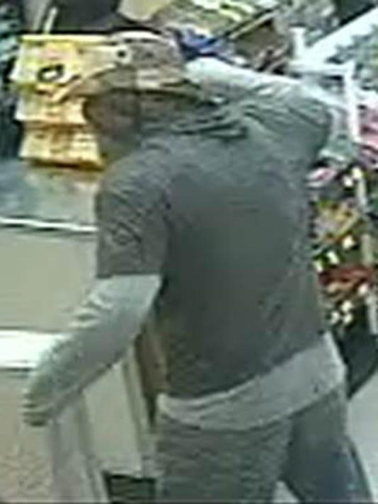 7-Eleven-Suspect-Pic2.jpg
