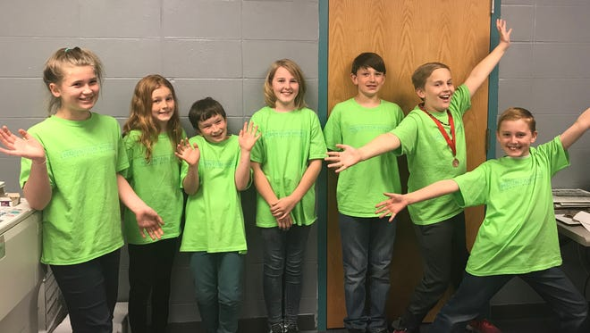 Mountain Home Quiz Bowl Club team members who competed in Missouri are: (from left) Lilly Higley, Jayla Yonkers, Declan Whitlock, Devyn Prins, Orion Reuscher, Aidan Schrableand Dylan Prins. All are students in fourthand fifthgrade at Hackler Intermediate School.