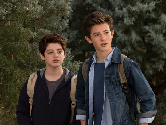 Thomas Barbusca (left) as Leo and Griffin Gluck (right)