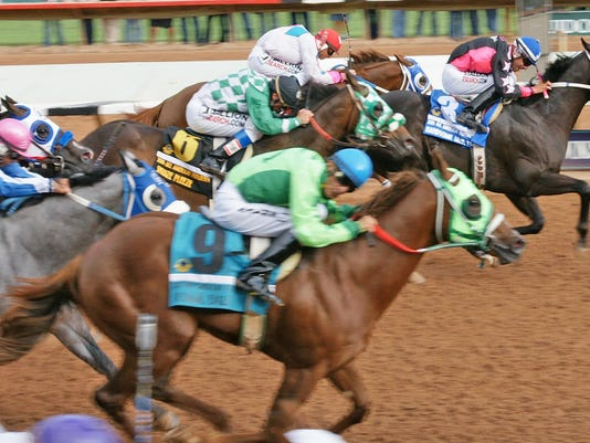 Handsome-Jack-Flash-3-All-American-Futurity-finish-line.jpg