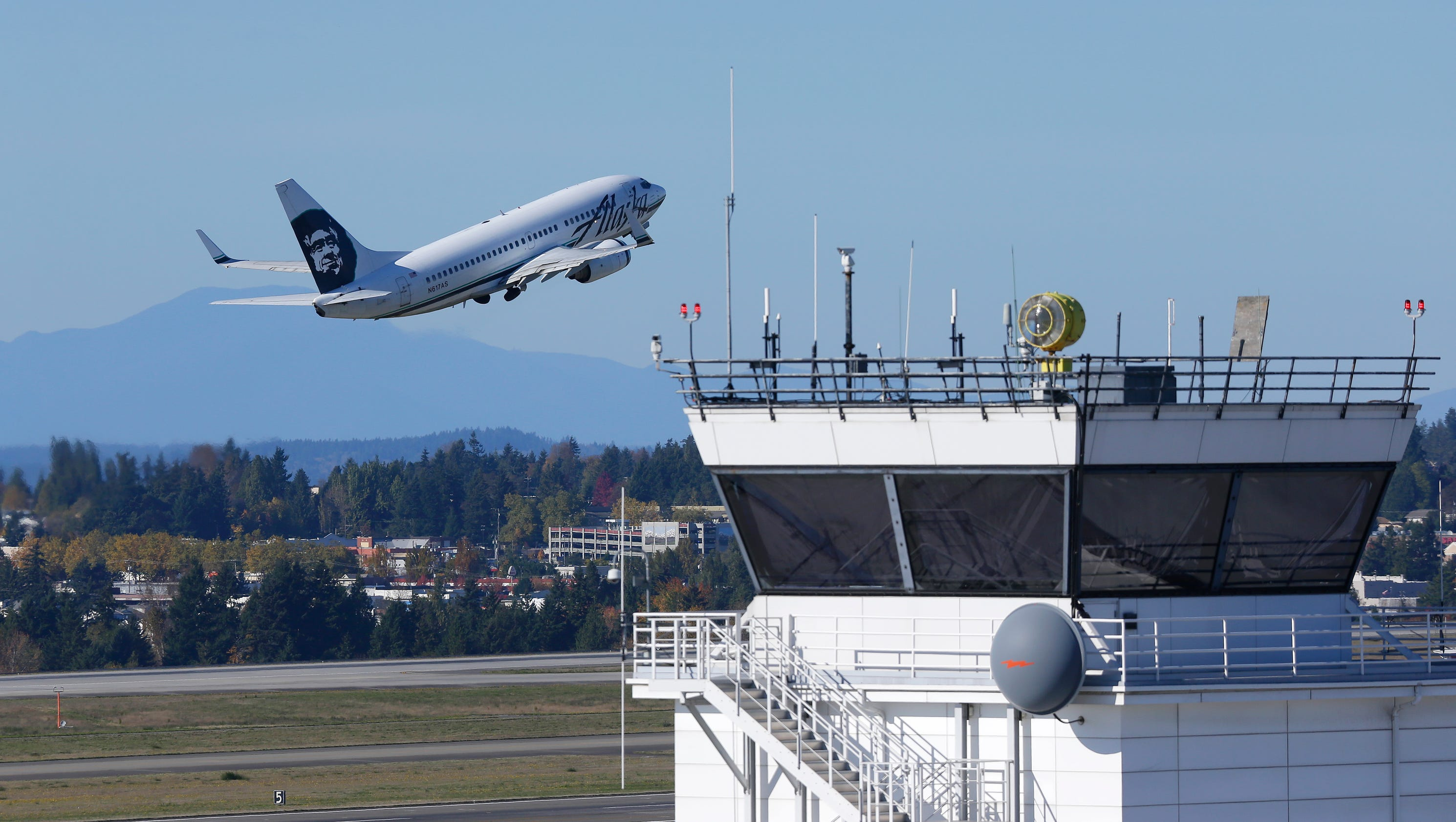 how to get to seattle airport