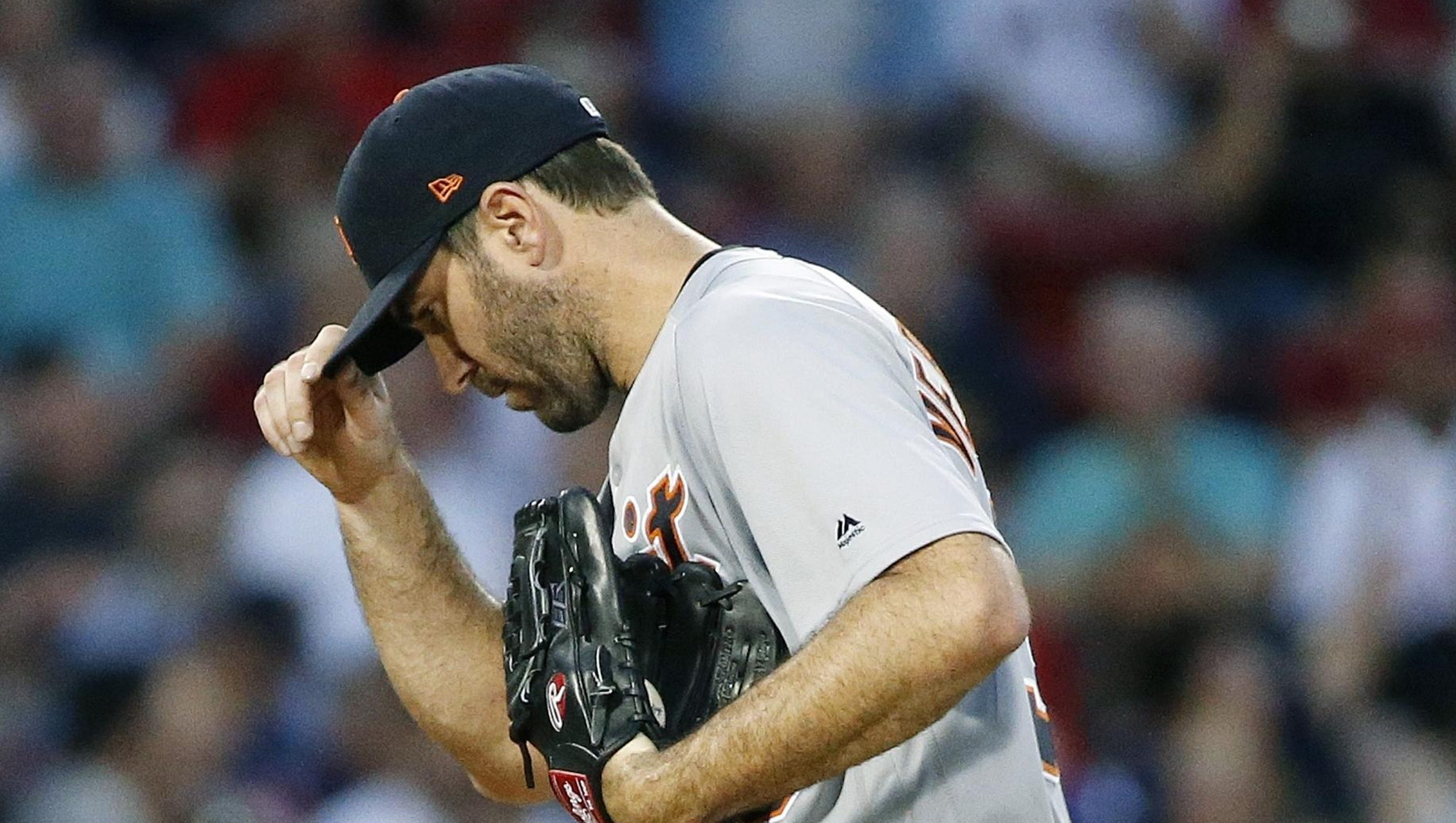 f06a9ee5 Boston — For six innings Saturday, a baseball game at Fenway Park  essentially belonged to two famed starting pitchers who had done most, if  not all, ...