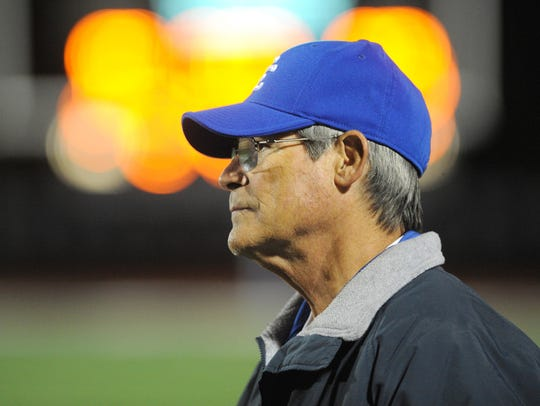 Tom Mach retired after coaching at Detroit Catholic