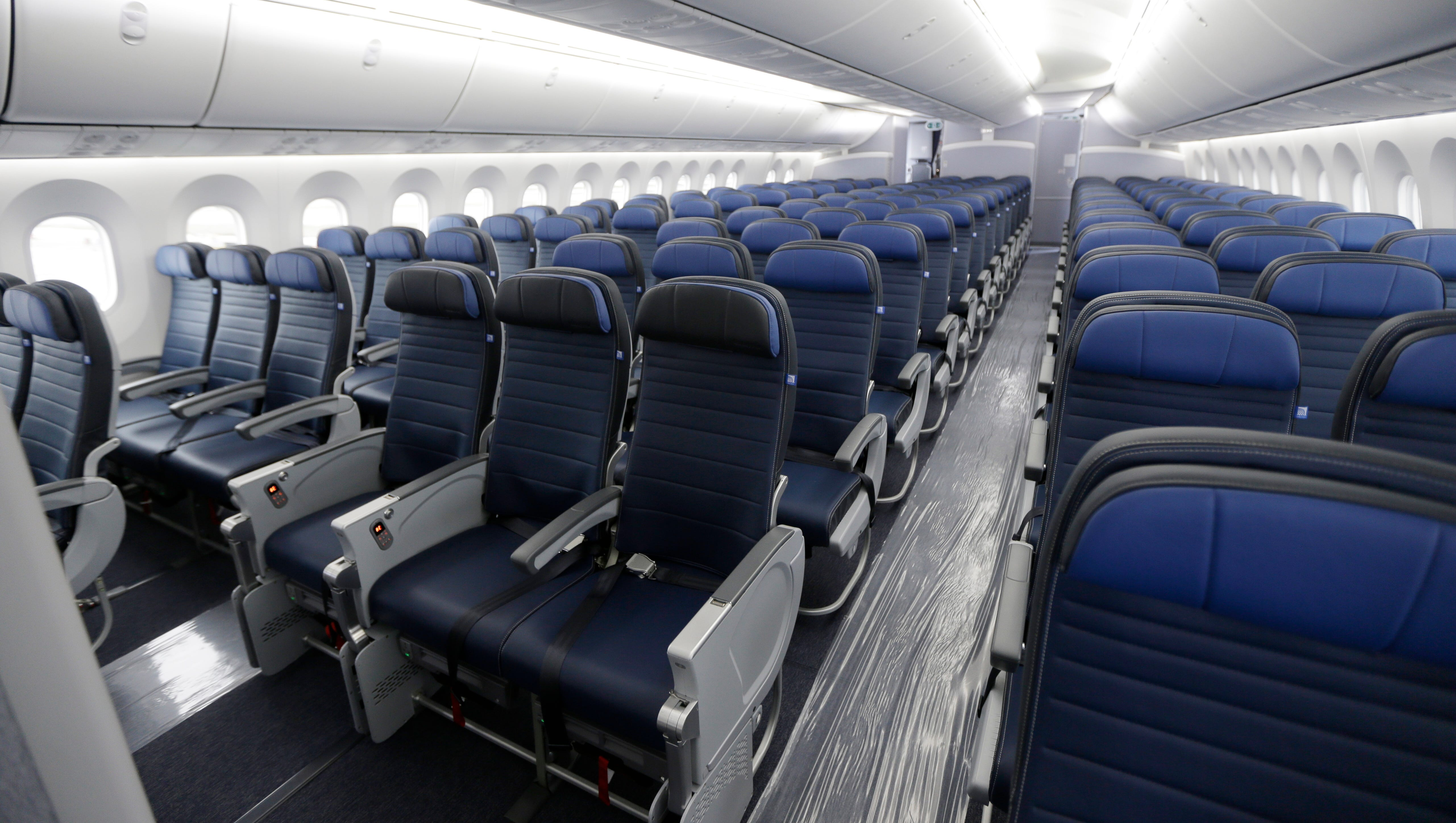 usatoday.com - Kevin Freking, Associated Press - Congress could make FAA boost size of seats, legroom on airplanes