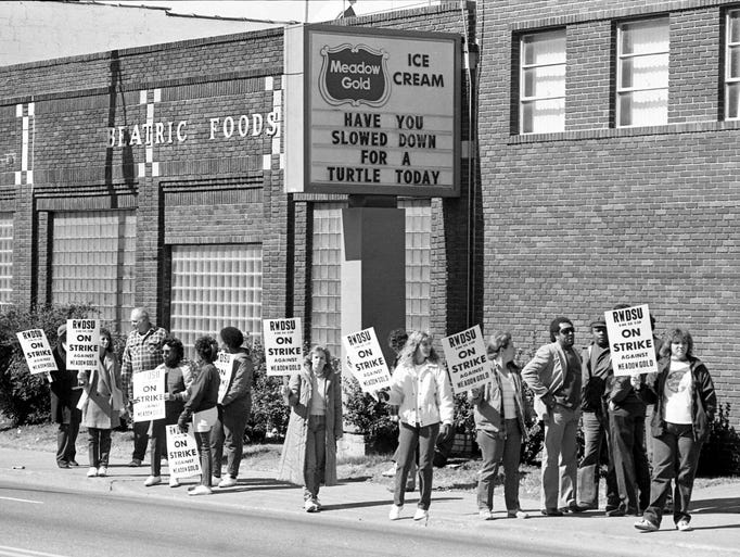 Meadow Gold Ice Cream Co. workers picket in front of