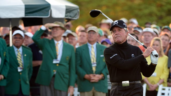 Gary Player hits his ceremonial tee shot on the first tee during the  Masters at Augusta National Golf Club on April 9, 2015.