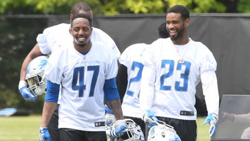 Darius Slay keeps 'em in stitches as Lions move past loss