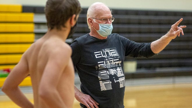 ROWVA-Williamsfield boys basketball coach Bob Anderson directs a play during a team workout on Tuesday, Oct. 13, in Oneida.