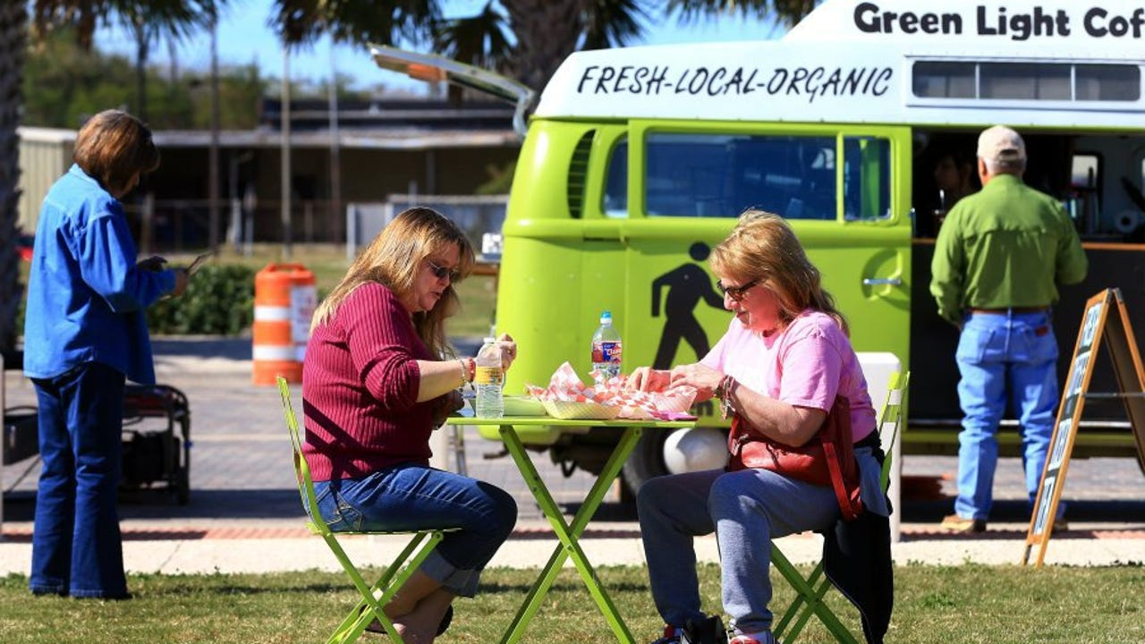 Corpus Christi officials are looking to expand the mobile vendor ordinance to allow more vendors and ease the regulatory hurdles to entering the industry.