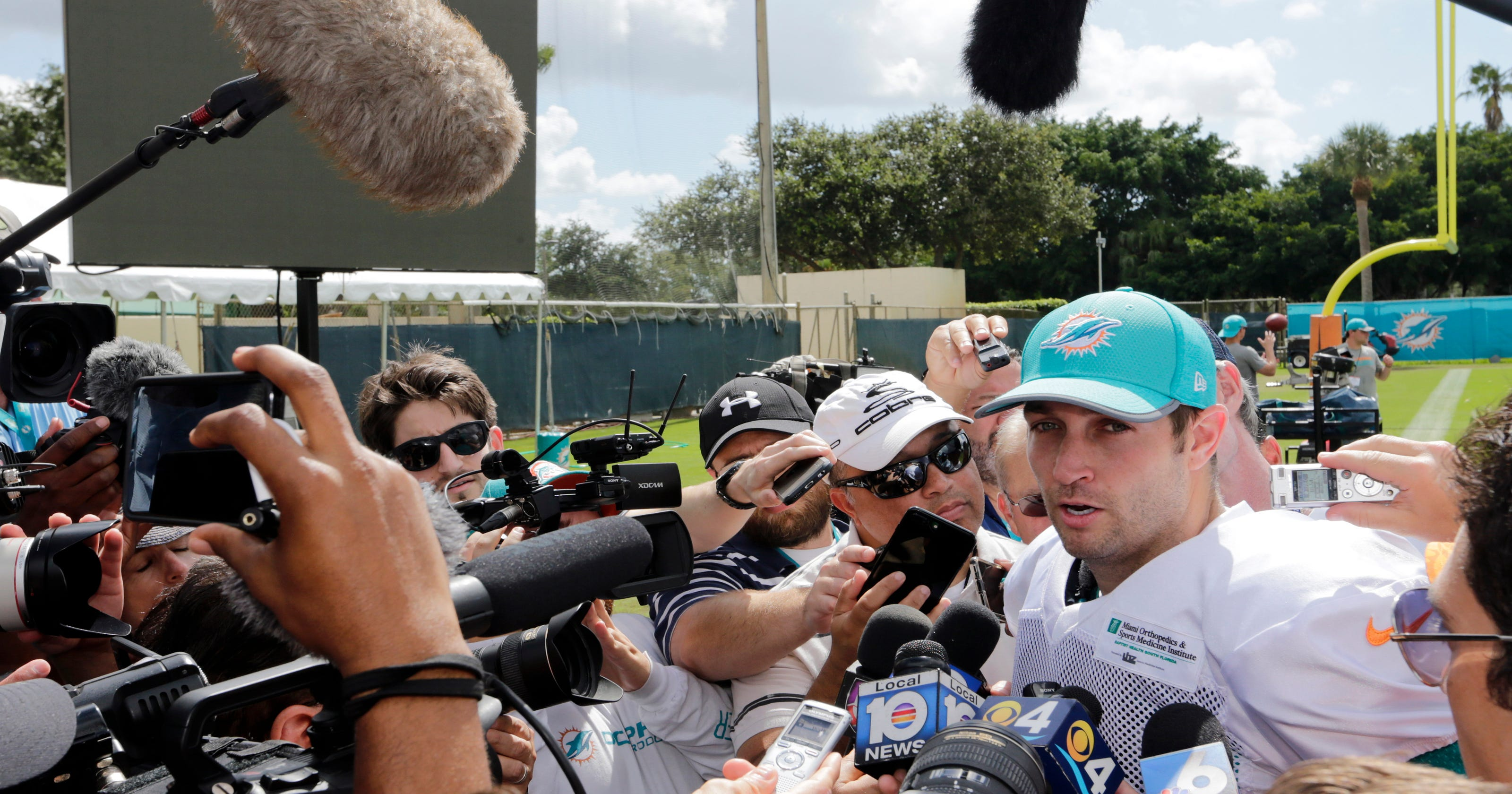 f274fa872 Cutler comeback begins at Dolphins practice   It felt right