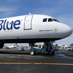 JetBlue CEO hints airline is considering alternative airports in Los Angeles area