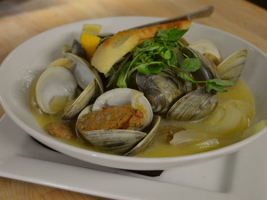 Middle neck clams from the Forgotten Mile Ale House,