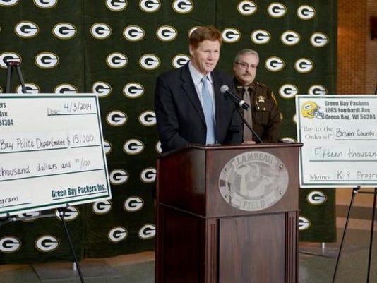 GPG Packers_K9 Donation028.jpg