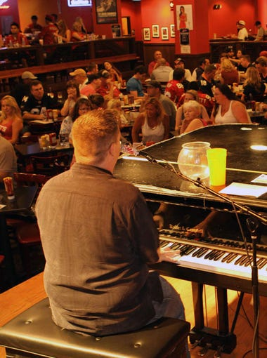 The Shout House: Listen to dueling pianos play your favorite love songs at the Chocolate Wasted Party on Feb. 14. Enjoy such shareable romantic dishes as barbecued pork short ribs ($10), chokes and hummus plate ($8), cocktails such as Sex on the Piano with Stoli peach vodka and Malibu rum ($10), chocolate martinis ($5), chocolate-cake shots ($4) and chocolate-covered strawberries ($3). Party runs from 4 p.m. to 2 a.m., and reservations begin at 7 p.m. Details: Westgate Entertainment District, Loop 101 and Glendale Avenue in Glendale. 623-772-1500, theshouthouse.com.
