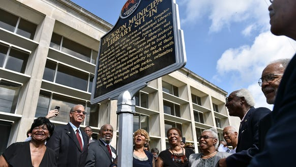 """Members of the """"Tougaloo Nine"""" unveil the Mississippi"""
