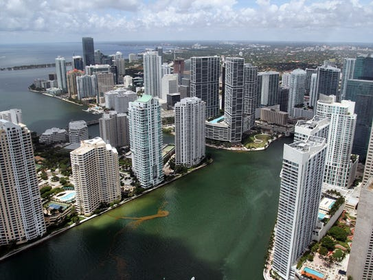 The mouth of the Miami River runs out to Biscayne Bay