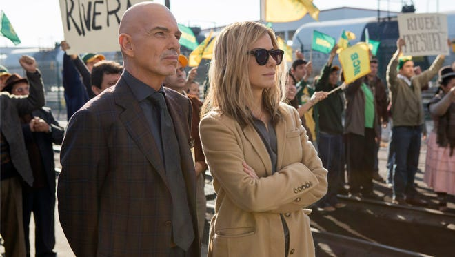 """(BILLY BOB THORTON as Pat Candy and SANDRA BULLOCK as Jane in Warner Bros. Pictures' and Participant Media's drama """"OUR BRAND IS CRISIS,"""" a Warner Bros. Pictures release.  [Via MerlinFTP Drop]"""