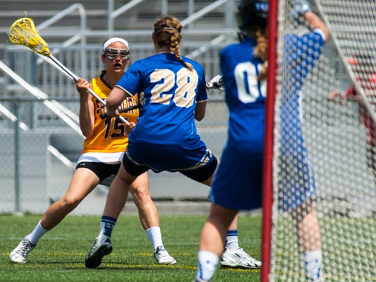 Salisbury midfielder Bethany Baer (15) looks to goal against Hamilton College in the NCAA Playoffs on Sunday afternoon at Sea Gull Stadium.