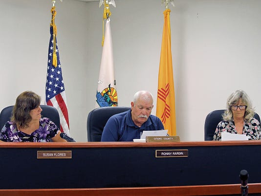 Jacqueline Devine — Daily News Otero County Commissioners discuss providing a letter of support for the Jade Helm exercise in Otero County to the U.S. Special Operations Command Wednesday afternoon.