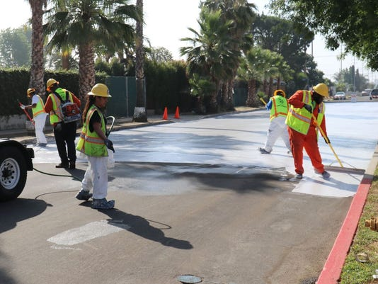 Los Angeles 'cool pavement'