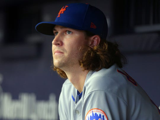 Jacob deGrom continued his recent slide with another loss on Sunday.