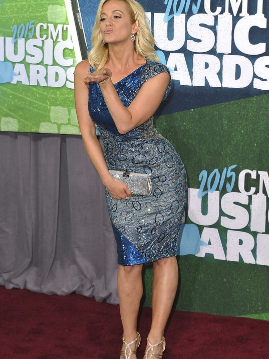 635901792910898907-NAS-CMT-Red-Carpet-pickler.279.JPG