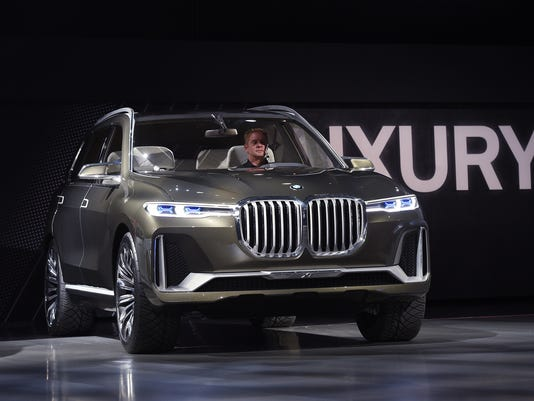 Bmw S Newest Biggest Suv Concept Gets Its U S Debut