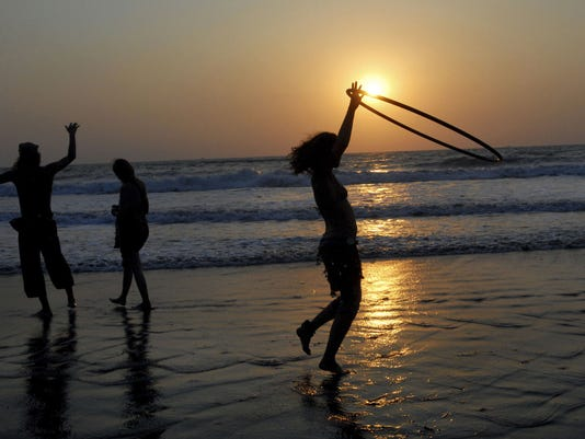 GTY BACKPACKERS KEEP GOA'S PARTY SCENE THRIVING I LIF IND