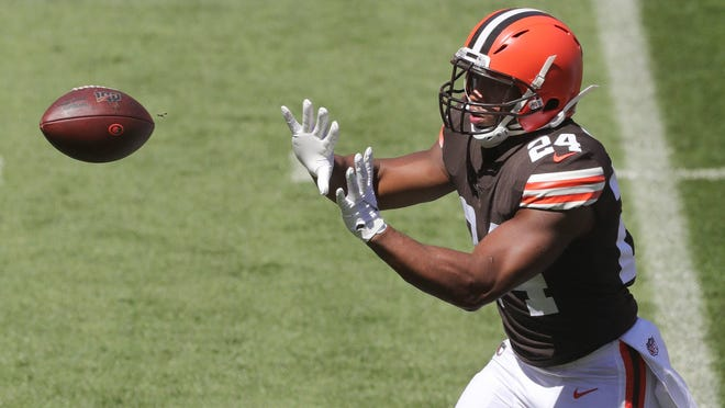 Cleveland Browns running back Nick Chubb catches a pass during practice at FIrstEnergy Stadium on Sunday, Aug. 30, 2020, in Cleveland, Ohio.