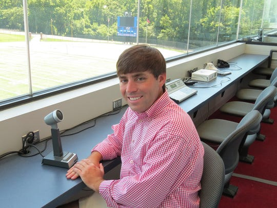 Jeffrey Wright, an MUS alum, will be the school's new radio voice for football.
