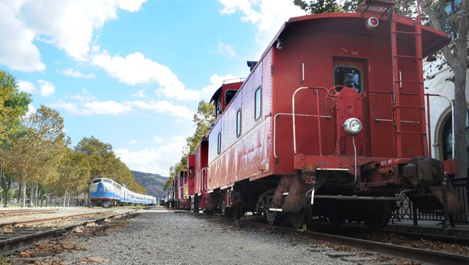 The Fillmore & Western Railway has Father's Day rides this year.