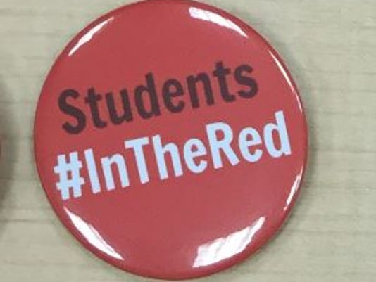 635882203447664071-Students-InTheRed.JPG