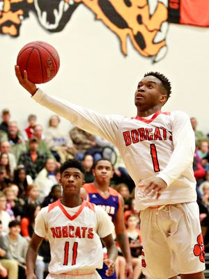 Northeastern's Fred Mulbah takes the ball to the basket during boys' basketball action against York High at Northeastern High School in Manchester, Wednesday, Jan. 10, 2018. Northeastern would win the game 75-53. Dawn J. Sagert photo