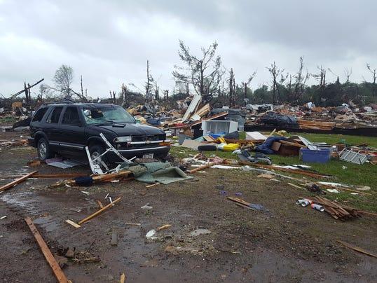 1 Dead As Tornado Devastates Mobile Home Park In Northwestern Wisconsin