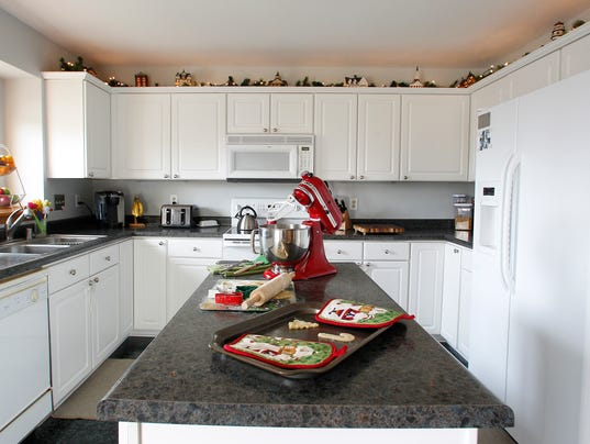 Plain Best Product To Clean Kitchen Cabinets For Decor