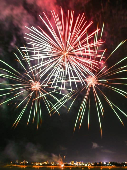 636355197209776135-Liberation-fireworks-04.jpg
