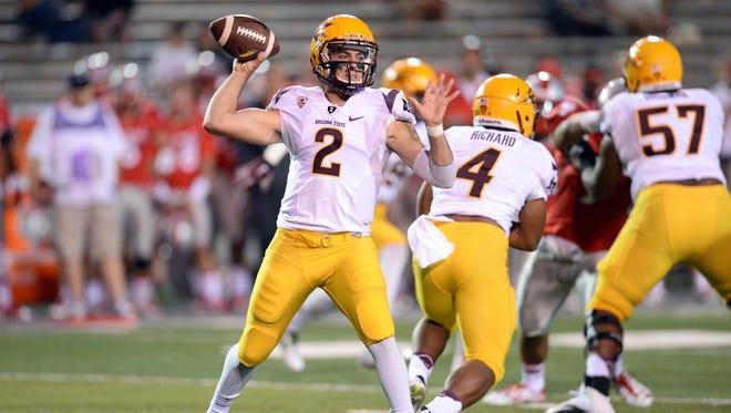 ASU quarterback Mike Bercovici (2) throws a pass against the New Mexico Lobos University Stadium.