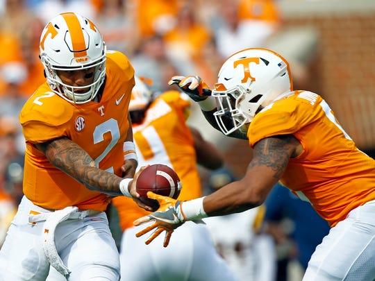 Tennessee-Unsettled_Offense_Football_23152.jpg