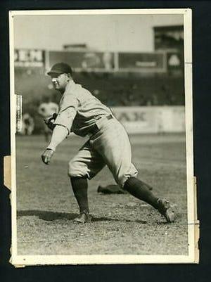 Eddie Eayrs started out as a left-handed pitcher before transitioning into a fine minor league hitter.