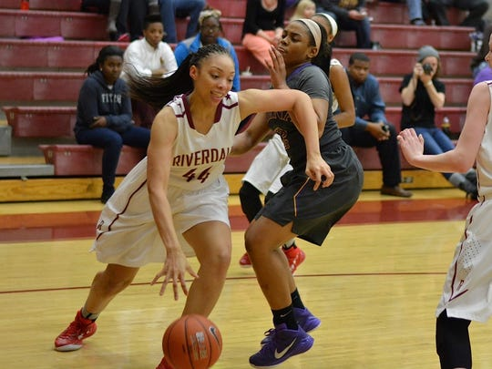 Riverdale's Kahliya Murry drives to the basket against