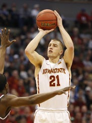 Iowa State guard Matt Thomas (21) shoots over a Little