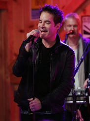 Pat Monahan of the band Train performs at Daryl's House in Pawling Tuesday with Hall and Oates.