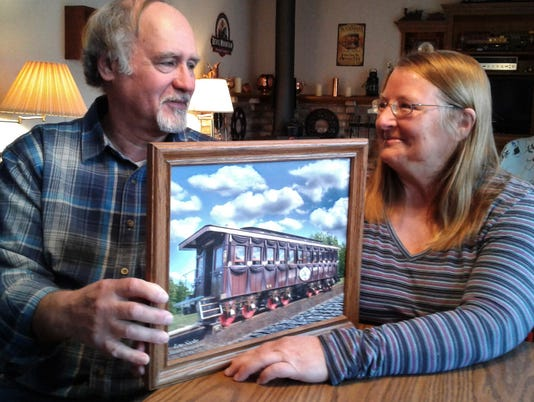 Local Couple Play Key Role In Lincoln Funeral Rail Car Replica