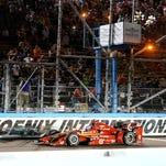 IndyCar returns to Phoenix International Raceway