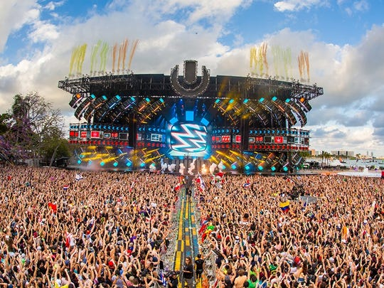 A crowd takes in the show at this year's Ultra Music Festival in Miami. A Cherry Hill man has sued two performers at the 2014 festival, alleging they lifted his song for their hit.