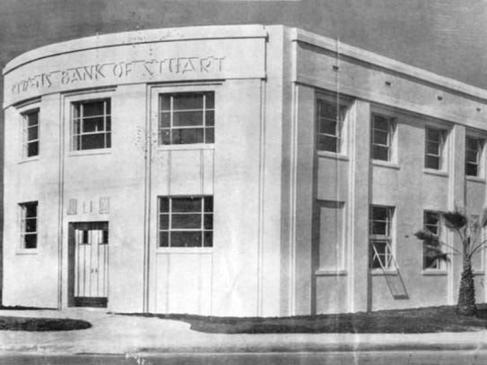 The new Citizens Bank in 1939 along Osceola and Colorado